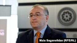 Президент Нацбанка Коба Гвенетадзе заверил журналистов, что причин для паники нет – «шок будет временным»