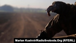 Український військовий на передових, Кримське, Луганська область, 21 квітня 2019