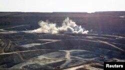 Разработка карьера на золоторудном месторождении близ Кокшетау. 13 июня 2013 года.