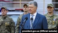 "Ukrainian President Petro Poroshenko: ""I am sorry to have created inflated expectations."""