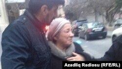 Rauf Mirqədirovun anası oğluna hökm çıxarılmasından sonra...