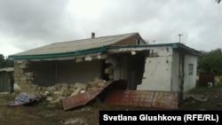Разрушенный дом Алтын Червалиевой. Астана, 15 августа 2014 года.