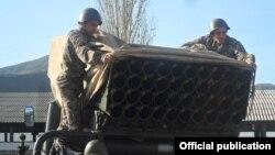 Недавно начались поставки российского оружия Армении по экспортному кредиту, были представлены новые оперативно-тактические ракетные комплексы