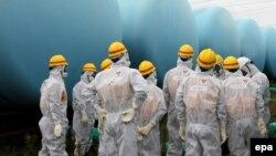 نخستوزیر ژاپن نتوانسته است افکار عمومی را قانع کند که نیروگاههای اتمی خطری ندارند