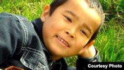 Акылбек Назаров, сын казахского беженца-мусульманина в Кыргызстане. Фото сделано в апреле 2006 года.
