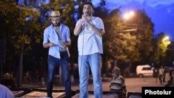 Лидер протестующих Давид Санасарян заявил, что протест переходит в «решающую стадию». 4 июля 2015