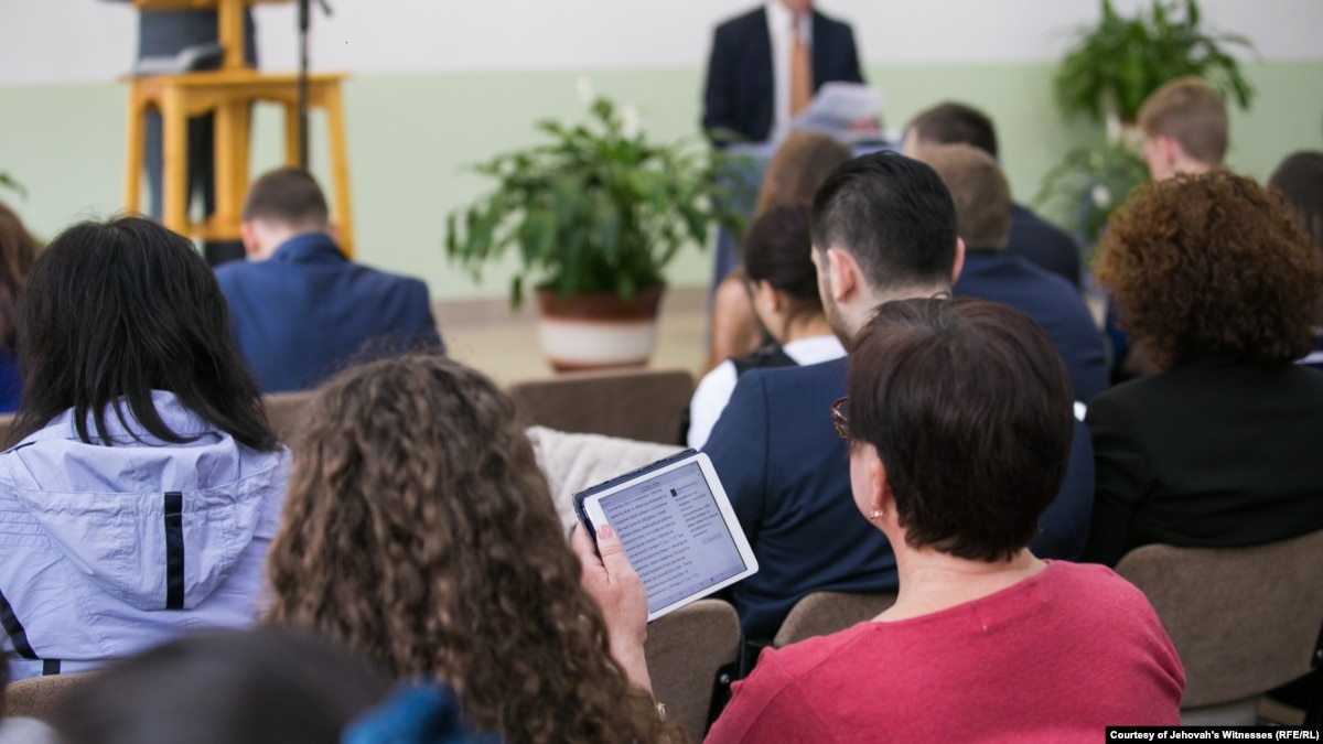 Eight Jehovah's Witnesses Charged With Extremism In Russia's Jewish Autonomous Region