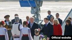 Премиерот на Молдавија Влад Филат и Потпретседателот на САД Џо Бајден