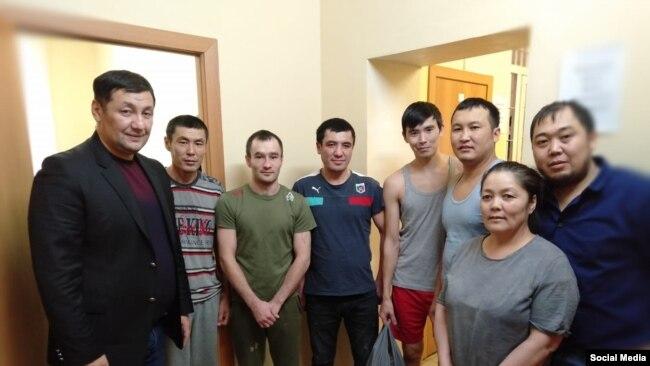 Якутскидеги убактылуу камоочу жайдагы кыргызстандыктар менен жолугушуу, ноябрь 2019