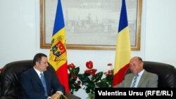 Premierul Vlad Filat cu președintele Traian Băsescu la întîlnirea lor de la Iași, în 2010