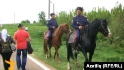 Мөселманнарның Болгар җыенында атлы казаклар (2013 ел)