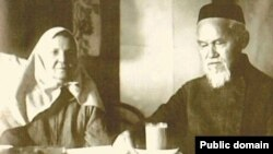 Ризаэтдин Фәхретдин хатыны Нурҗамал белән, Уфа, 1926