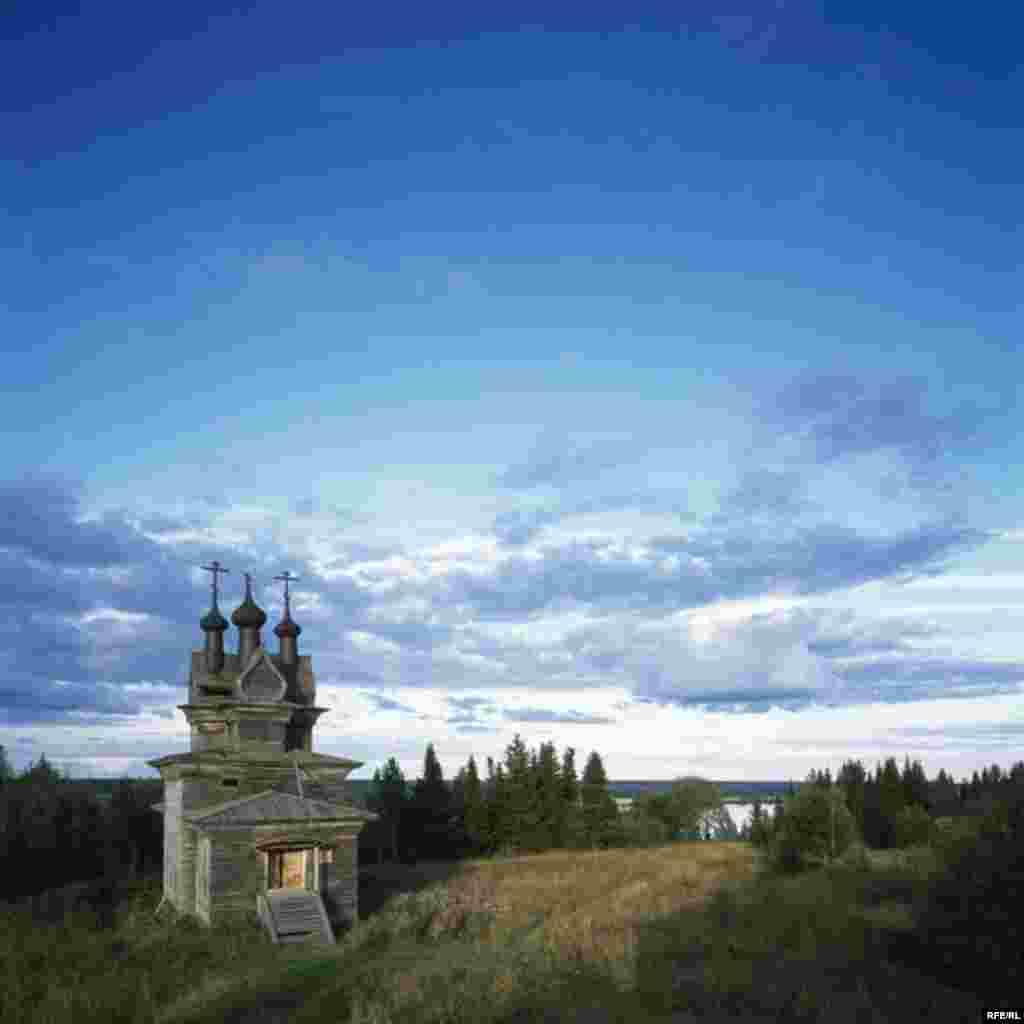 Russia's Vanishing Wooden Churches #15