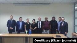 Тошкентга сафар қилган Европа Иттифоқи Парламенти депутатлари делегацияси 22 май куни фуқаролик жамияти вакиллари билан учрашди.