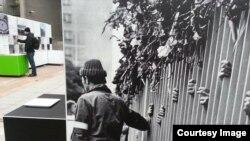 Экспозиция, посвященная 25-летию падения Берлинской стены.