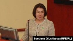 Гульжана Карагусова, депутат мажилиса парламента Казахстана. Астана, 18 февраля 2015 года.