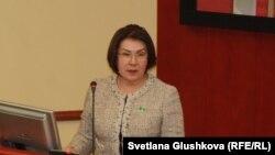Депутат мажилиса Казахстана Гульжана Карагусова в 2015 году.