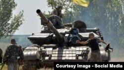 Украинские военнослужащие в зоне проведения антитеррористической операции, 17 август 2014 года.