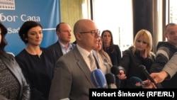 Potpredsednik SNS Miloš Vučević podneo je krivične prijave protiv svojih stranačkih kolega - predsednika Srbije i šefa naprednjaka Aleksandra Vučića i njegovog brata Andreja