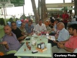 2010-cu ildə Azad Yazarlar Ocağının toplantısı.