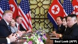 АКШ менен Түндүк Кореянын лидерлеринин саммити, Ханой, 28-февраль 2019-жыл.