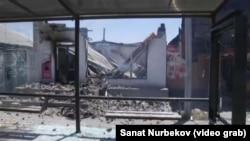 Разрушенное здание в городе Арысь в Туркестанской области Казахстана. 25 июня 2019 года.