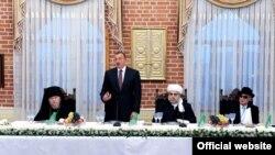 Ադրբեջան -- նախագահ Իլհամ Ալիեւը Իֆթարի տոնակատարությանը, Բաքու, 28-ը օգոստոսի, 2009