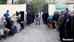 Черга на виборчій дільниці, Каїр, 14 січня 2014 року