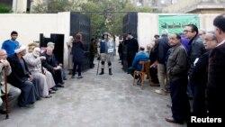 Каирдеги добуш берүү. 14-январь, 2014-жыл.