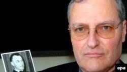 Efraim Zuroff, Centrul Simon Wiesenthal