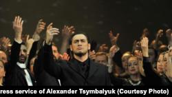 Олександр Цимбалюк, оперний співак