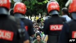 حضور پلیس در یکی از تجمعات حامیان جنبش سبز در مالزی