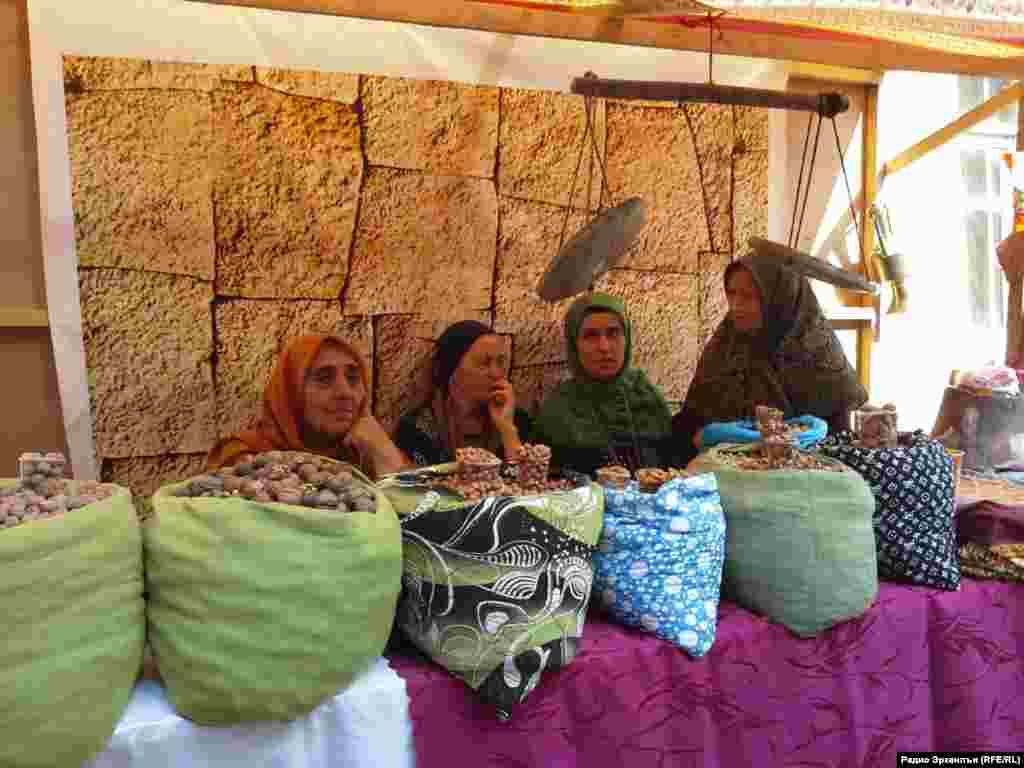 Цебесеб заманалъул базар