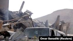 ویرانههای یک مرکز تحقیقاتی سوریه در نزدیکی دمشق پس از حمله موشکی سحرگاه شنبه به سوریه