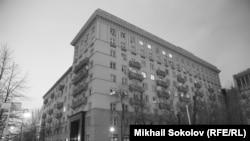 Sovet yazıçılarının evi. 1937-ci ildə inşa olunub.