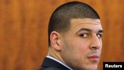 Aaron Hernandez gjatë procesit gjyqësor në mars të vitit 2015 në Masuçusets