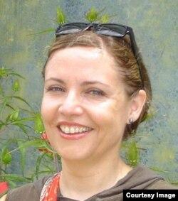 Проректор SNSPA Лилиана Попеску