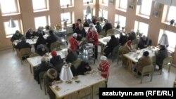 Երևան, Գերմանական Կարմիր խաչի նախաձեռնած՝ Քանաքեռ-Զեյթուն վարչական շրջանում գործող բարեգործական խոհանոցը
