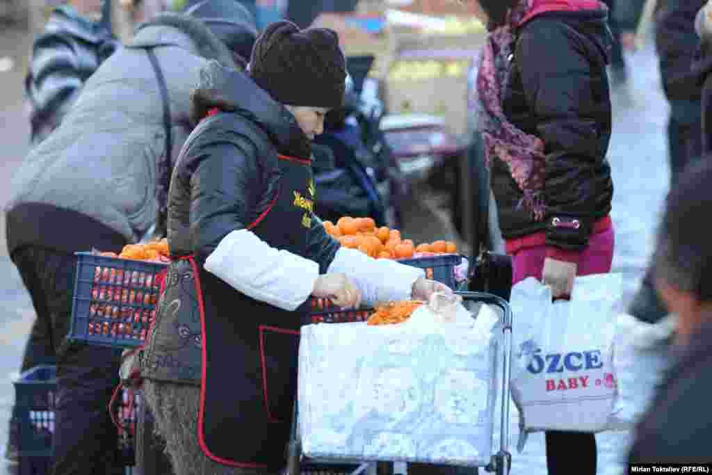 Рынок открывается в шесть утра и работает круглый год