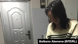 Гульмира Н. с детьми арендует комнату в общежитии. Астана, 3 июня 2018 года.