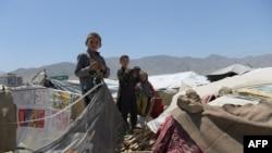деца во Авганистан