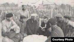 Крымские татары, вернувшиеся в Крым в конце 1960-х