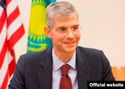 Ҷон Марк Поммершайм, сафири Амрико дар Тоҷикистон.