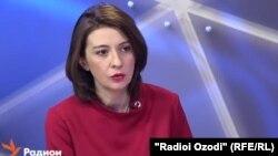 как В конце февраля 2012 года в Узбекистан не впустили корреспондента радио ВВС по Центральной Азии Наталью Антелаву.