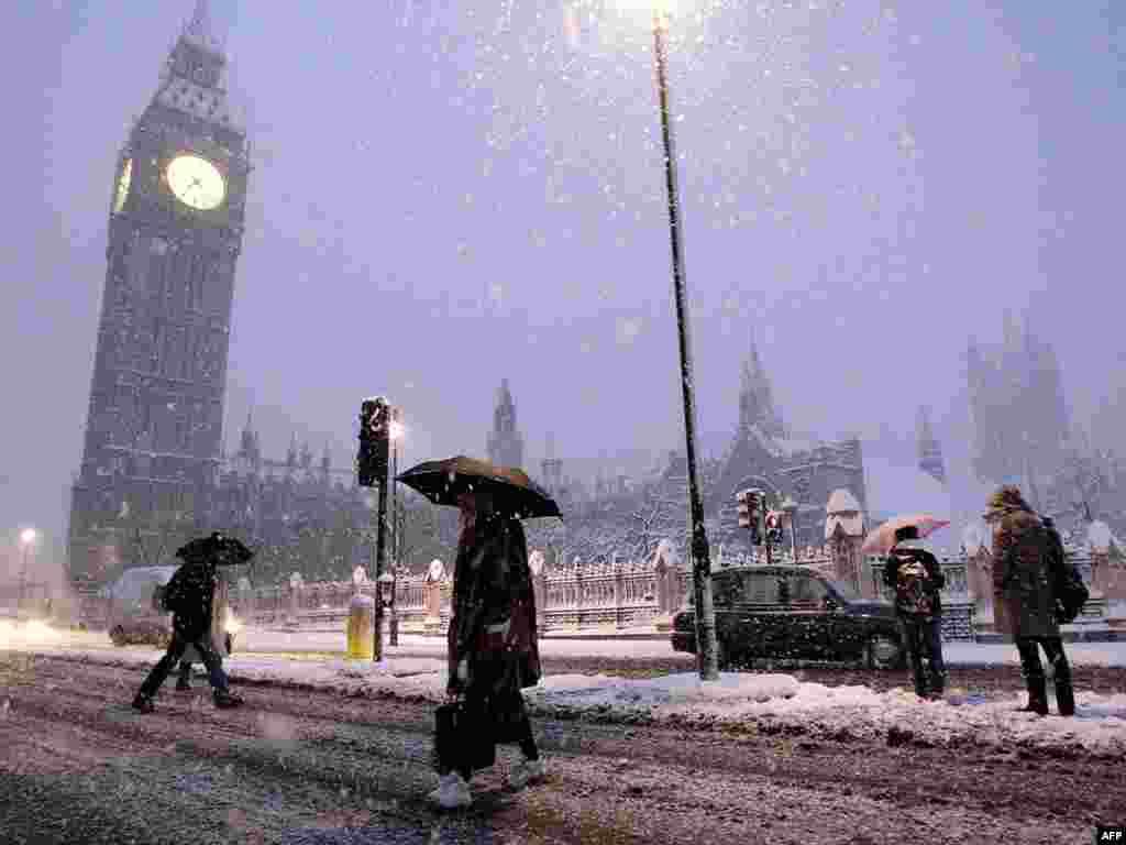 Самый обильный за последние 20 лет снегопад в Лондоне