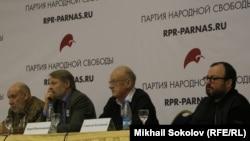 Георгий Сатаров, Дмитрий Орешкин, Андрей Пионтковский, Станислав Белковский