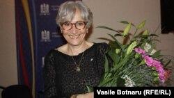 Czech Republic--RFE/RL Moldovan Service Director Oana Serafim receives prestigious award from Romanian embassy. Prague, May 12, 2015.
