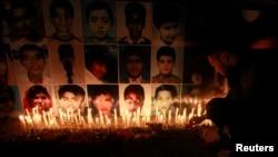 Пешавардағы мектептегі оқиғада қайтыс болған балаларды еске алу шарасы. Лахор, 19 желтоқсан 2014 жыл.