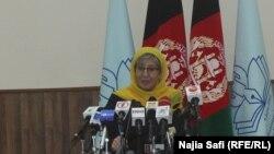 سیما سمر رئیس کمیسیون مستقل حقوق بشر افغانستان روز شنبه و یک روز پیش از ۲۷ سالگی پیروزی مجاهدین در نشستی در کابل