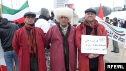 Ženewa. Eýranly türkmenler Eýranda adam hukuklarynyň bozulmagyna garşy protest bildirýär.